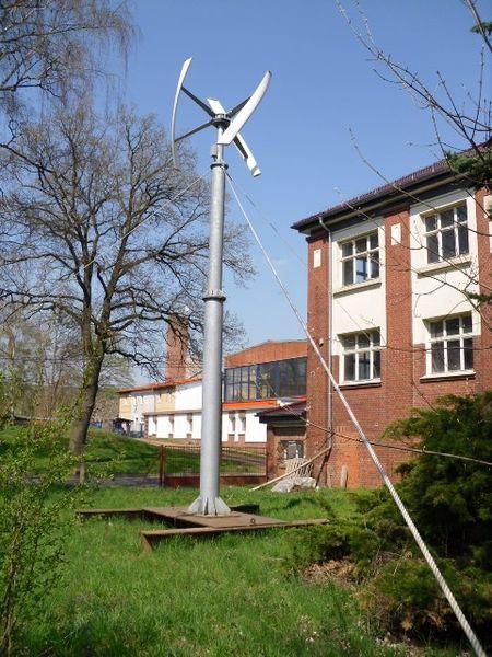Darrieus-Helix-Rotor